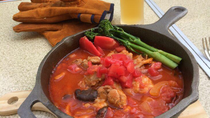 トマトジュースで煮込む鶏モモ肉のトマト煮