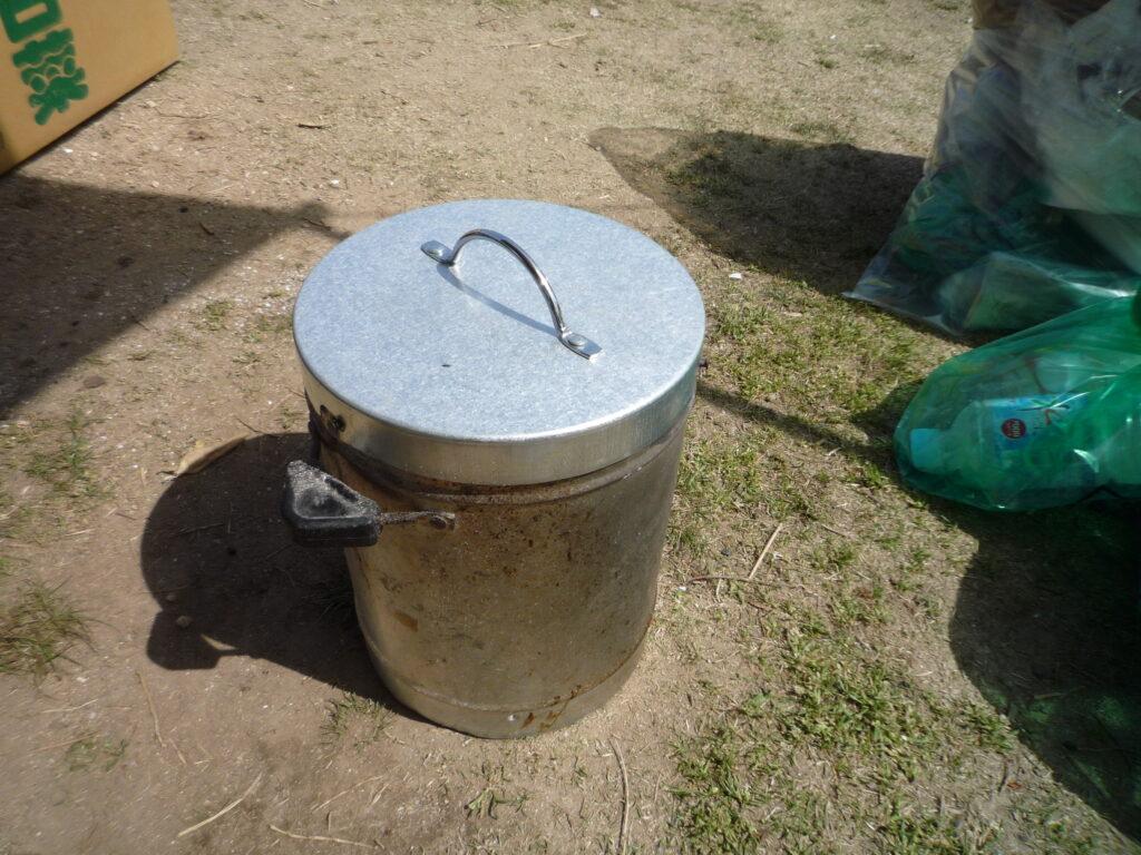 金属製の火消壺