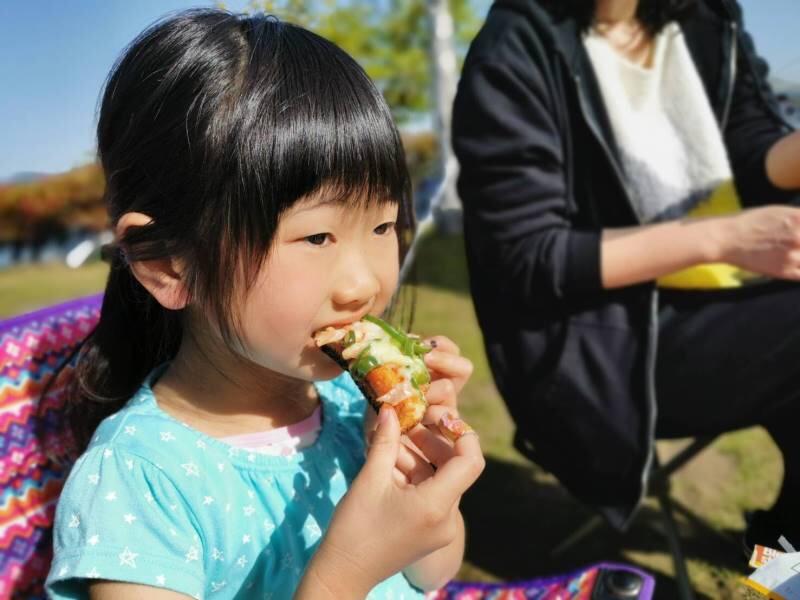 ピザトーストは小さな子にも大人気