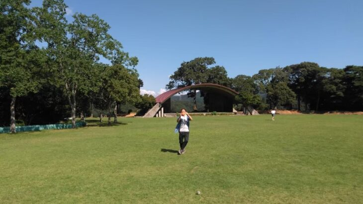 キャンプに行って芝生の上で遊ぶなら、フリスビーが最高さ!