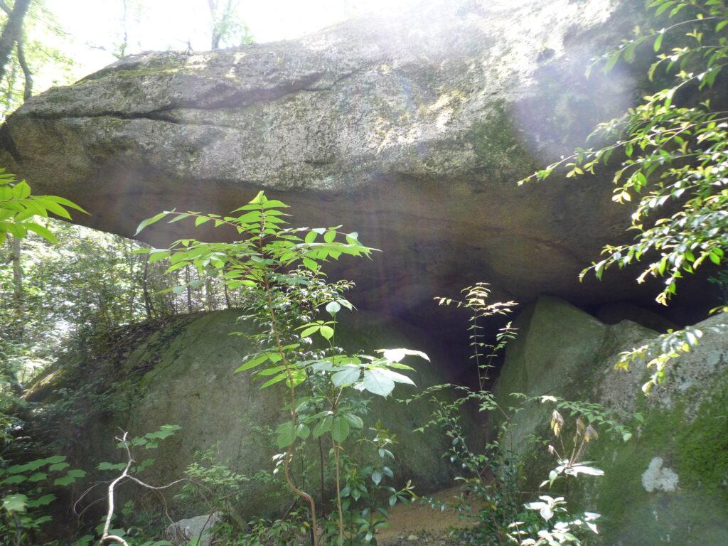 白石山 燕岩