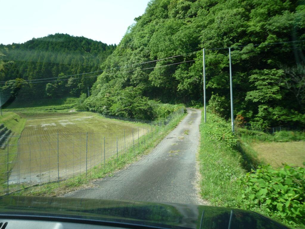 荒滝山 登山口駐車場への道