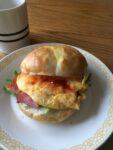 【超簡単】ベーコンと卵のサンドイッチ
