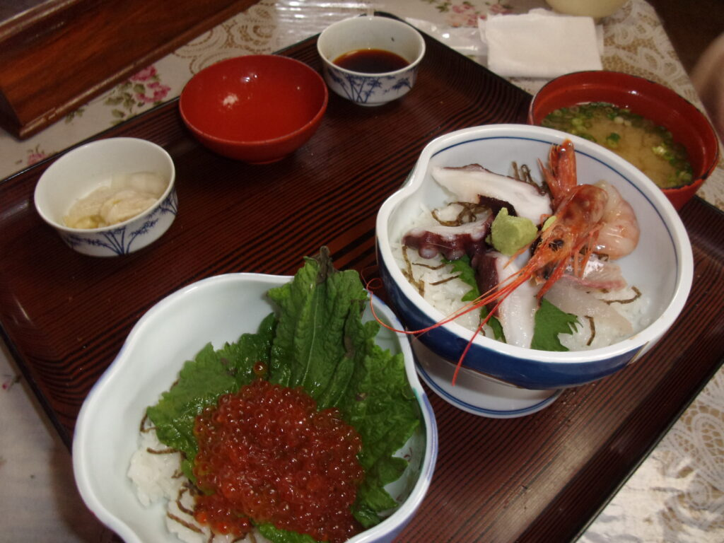 お食事処 慶のハーフ丼