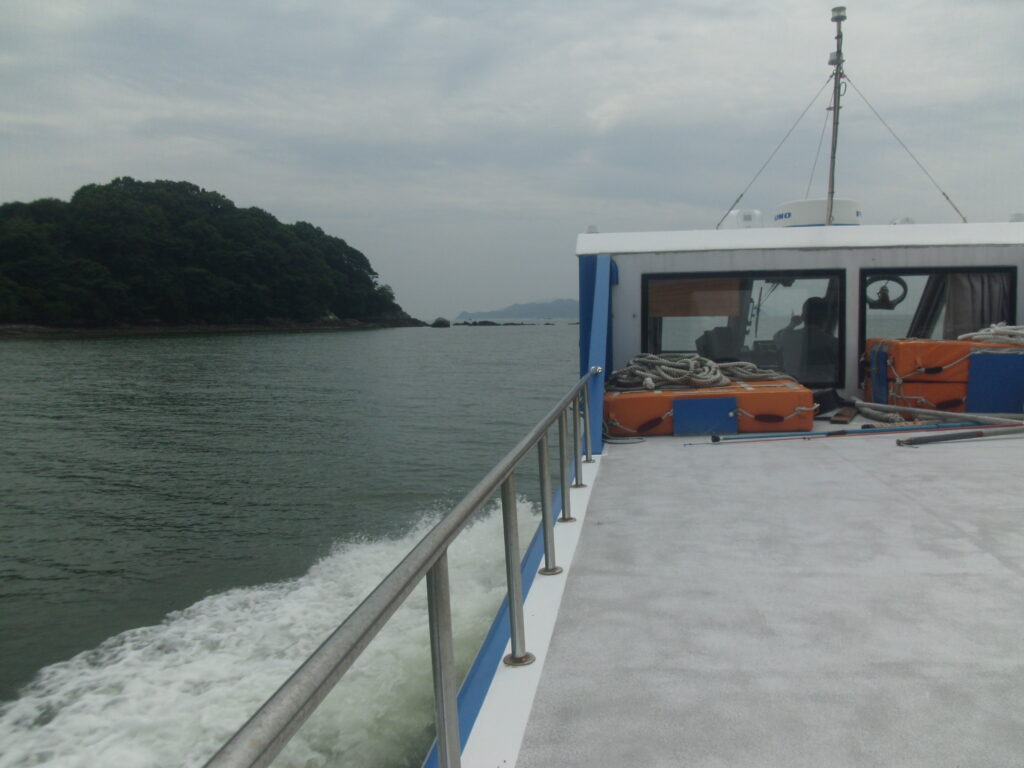 馬島に向けて出港