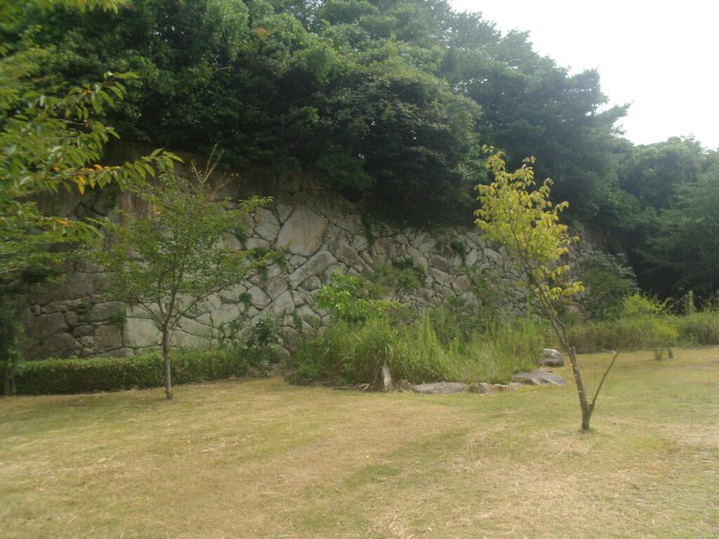 勝山御殿城壁