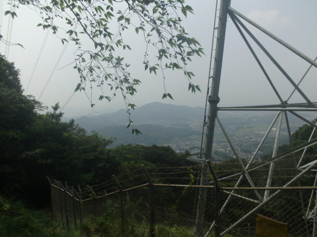 四王司山 登山道の鉄塔