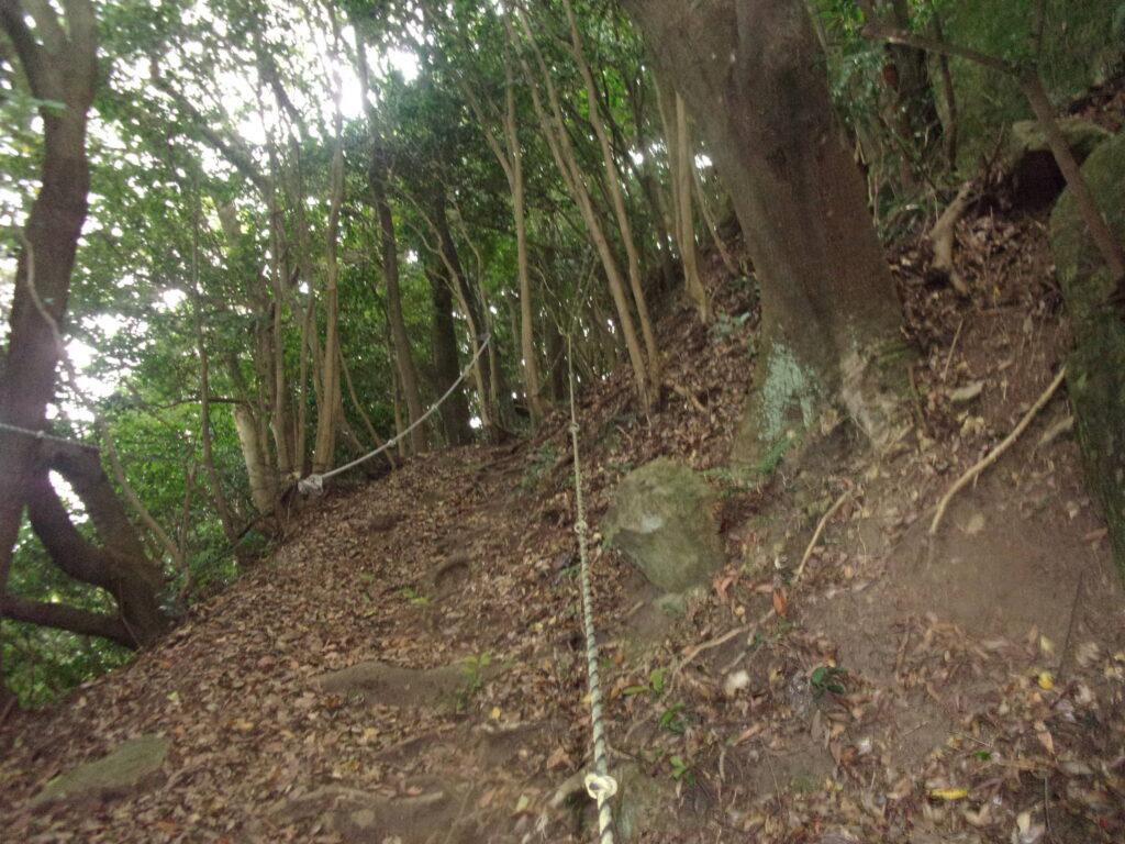 勝山残り120m ロープ