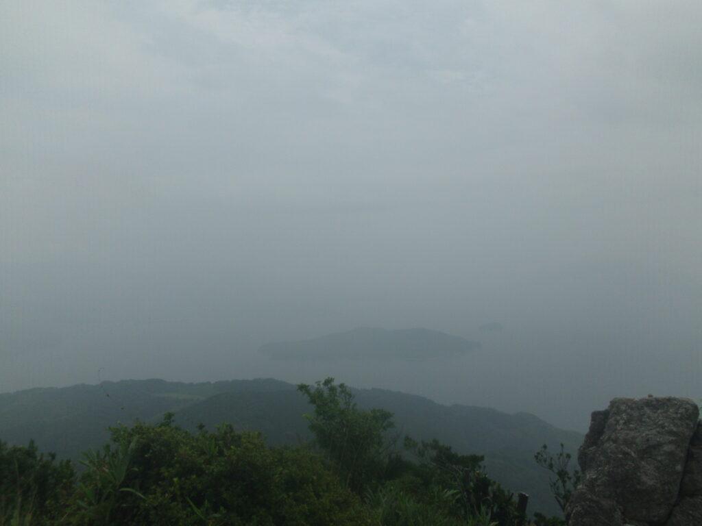 琴石山山頂から笠佐島方向