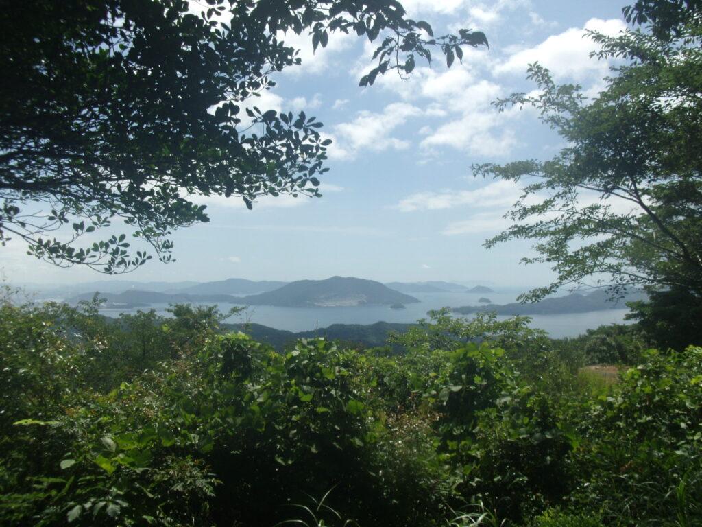 昇仙峰から徳山湾を望む