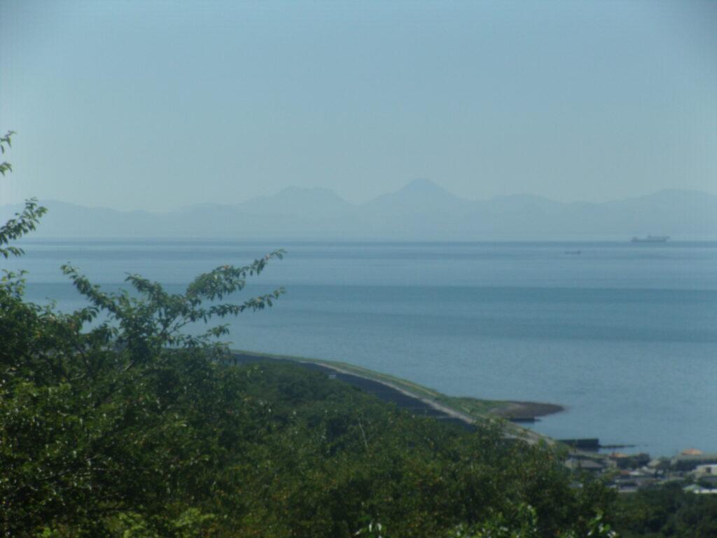 大分県の由布岳もはっきり見える