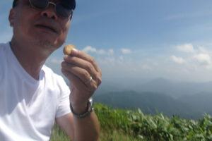十種ヶ峰山頂でのお菓子が美味すぎる