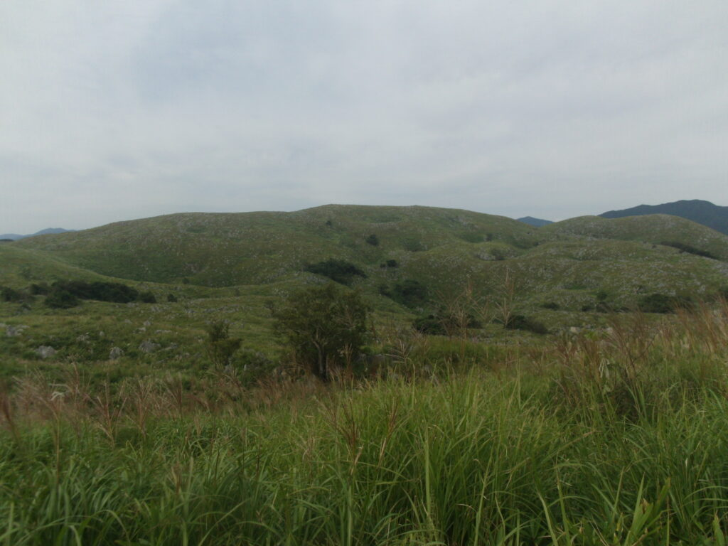 北山から降りる途中に見た山