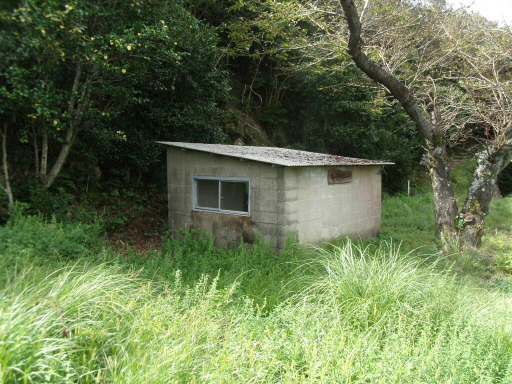 陶ヶ岳登山道 中腹の山小屋