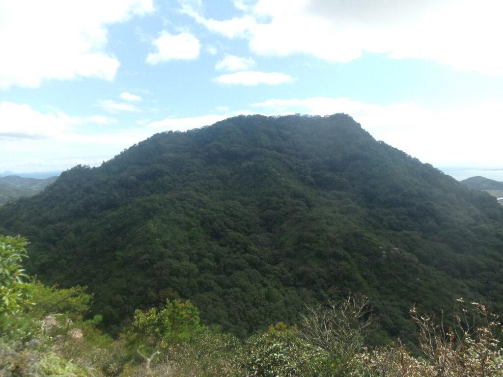 陶二の岳から見る陶三の岳