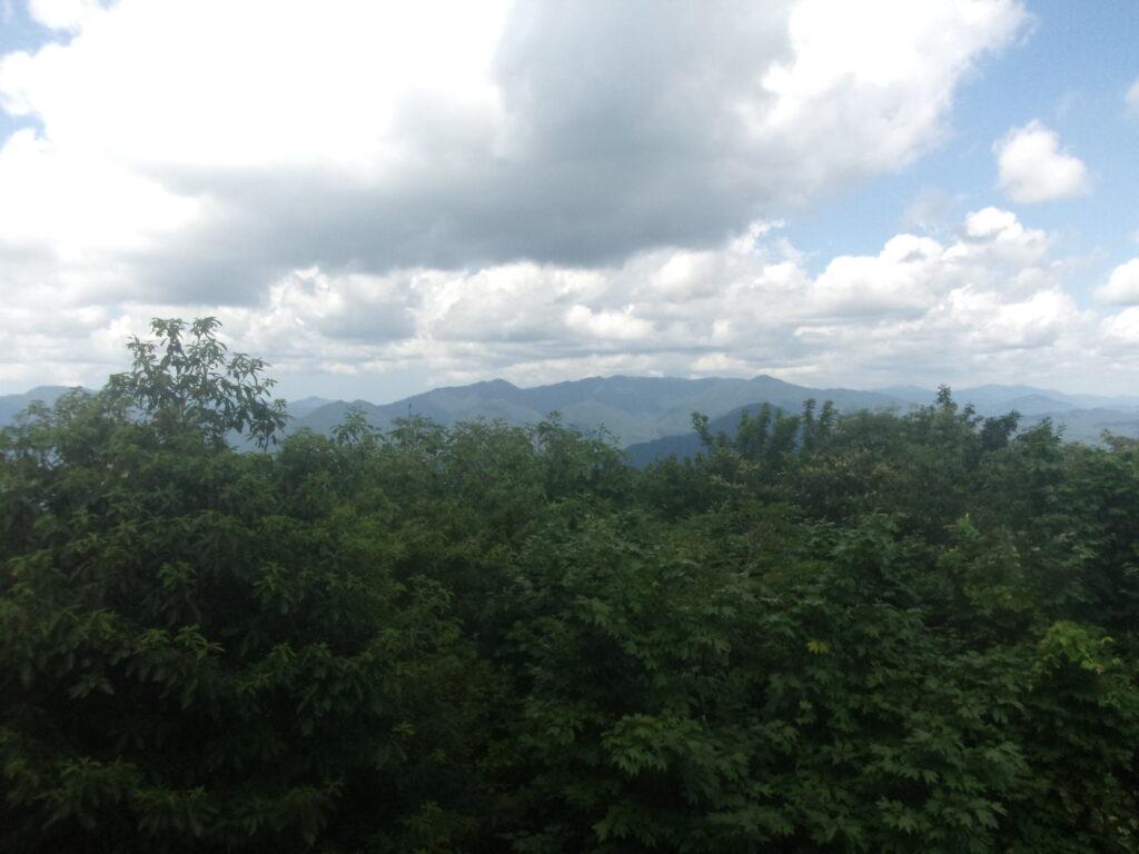 羅漢山からの眺望 島根県方向(寂地山方向)