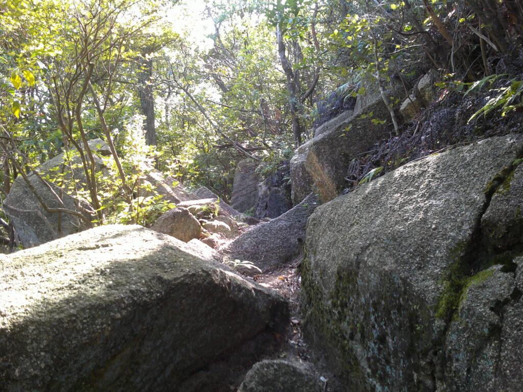 三十三観音摩崖仏の回廊
