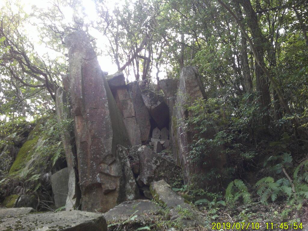 博打場跡の石仏