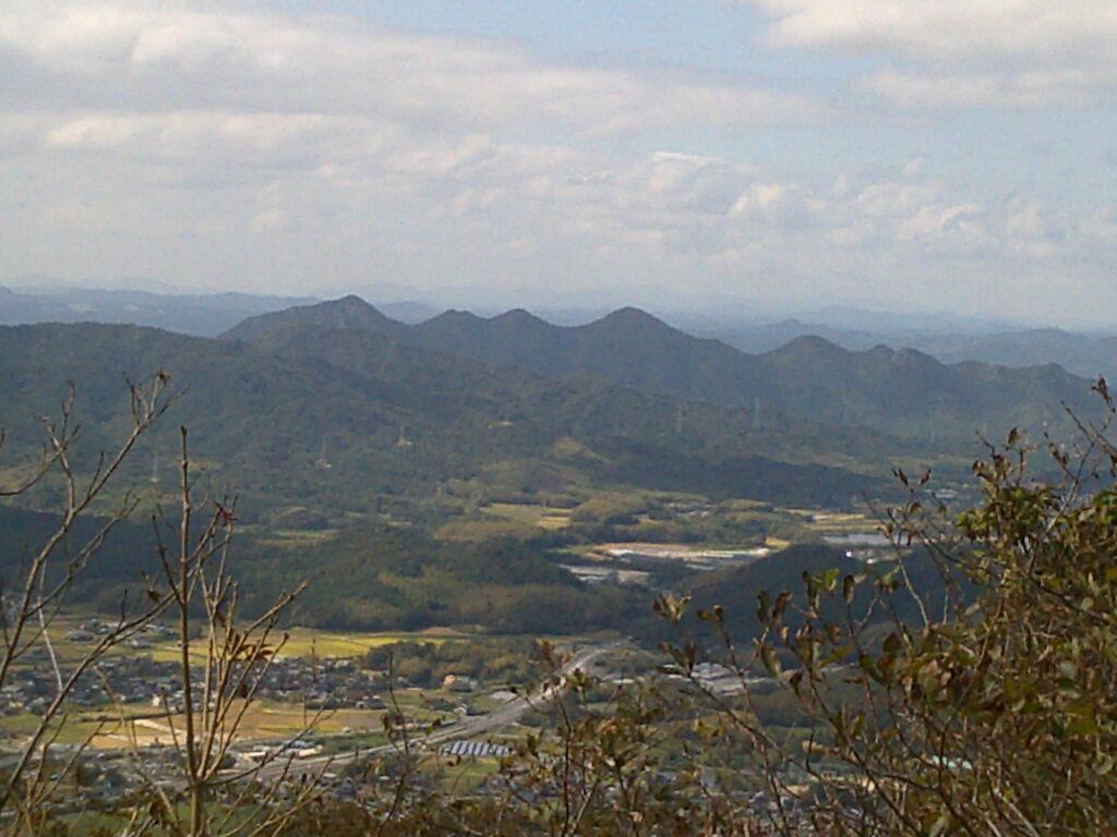 遠くに火の山連峰(ズーム)