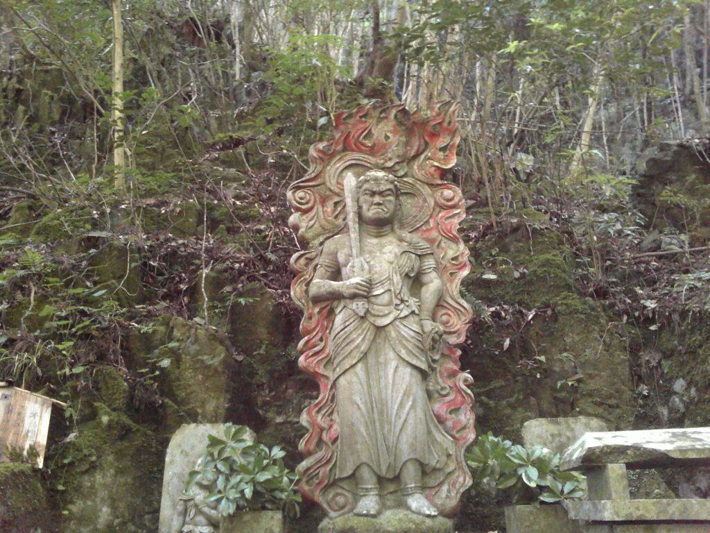白糸の滝 不動明王像