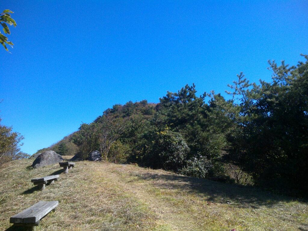 頂上手前の休憩所1