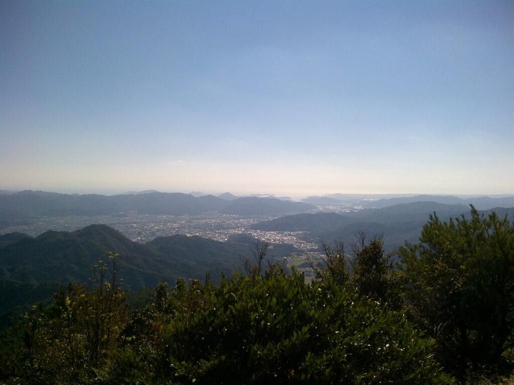 東鳳翩山山頂から見る山口市内