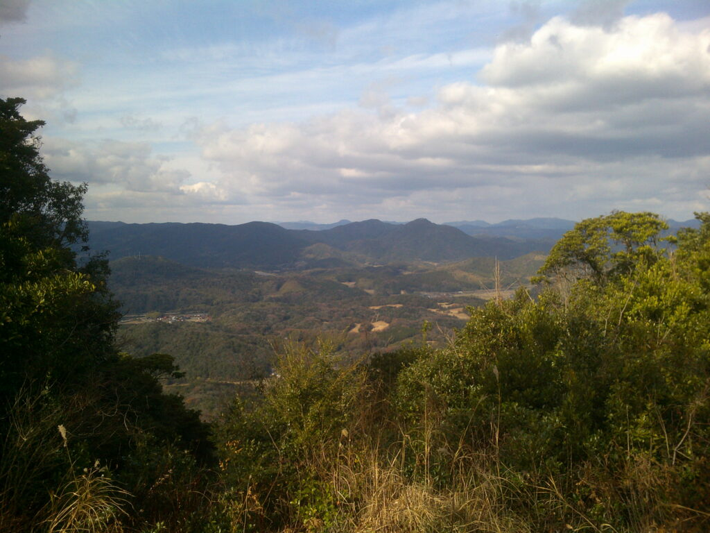 平原岳山頂から吉部方向