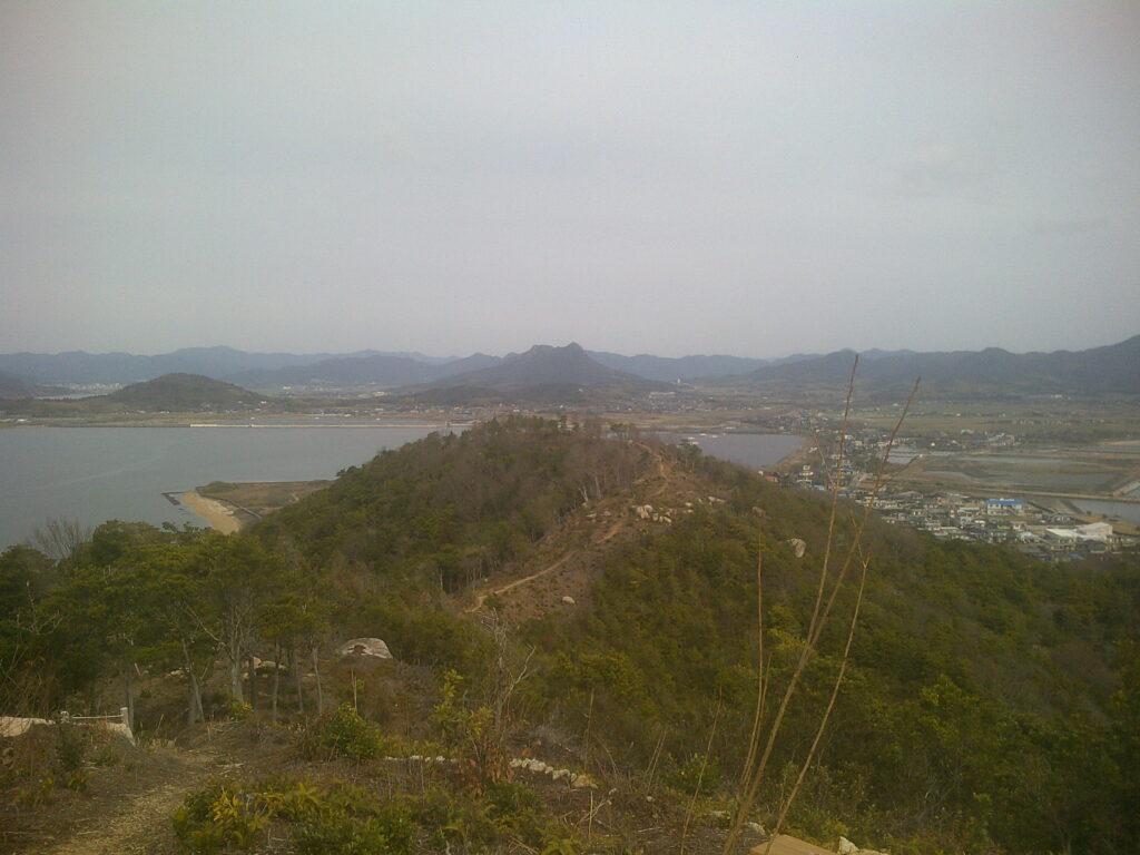 岩屋山から長浜山へ