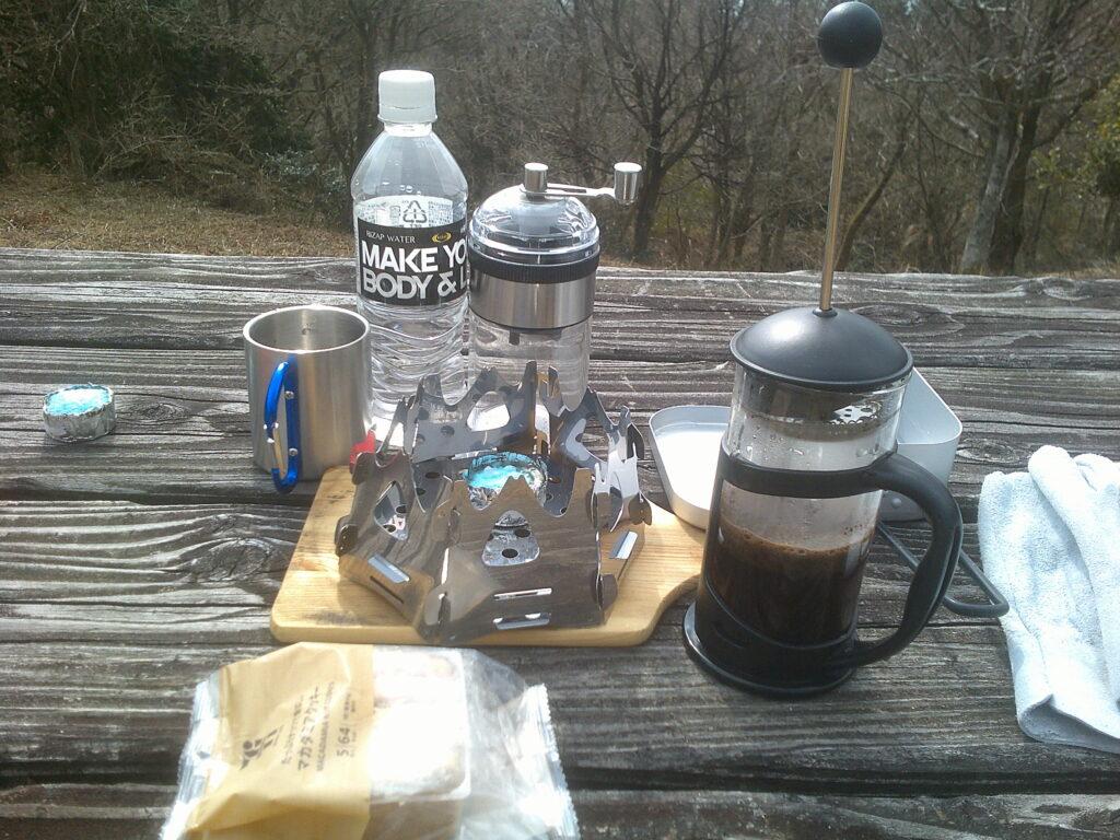 コーヒー豆の蒸らし待ち