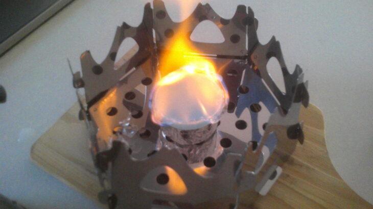 固形燃料に着火しました!