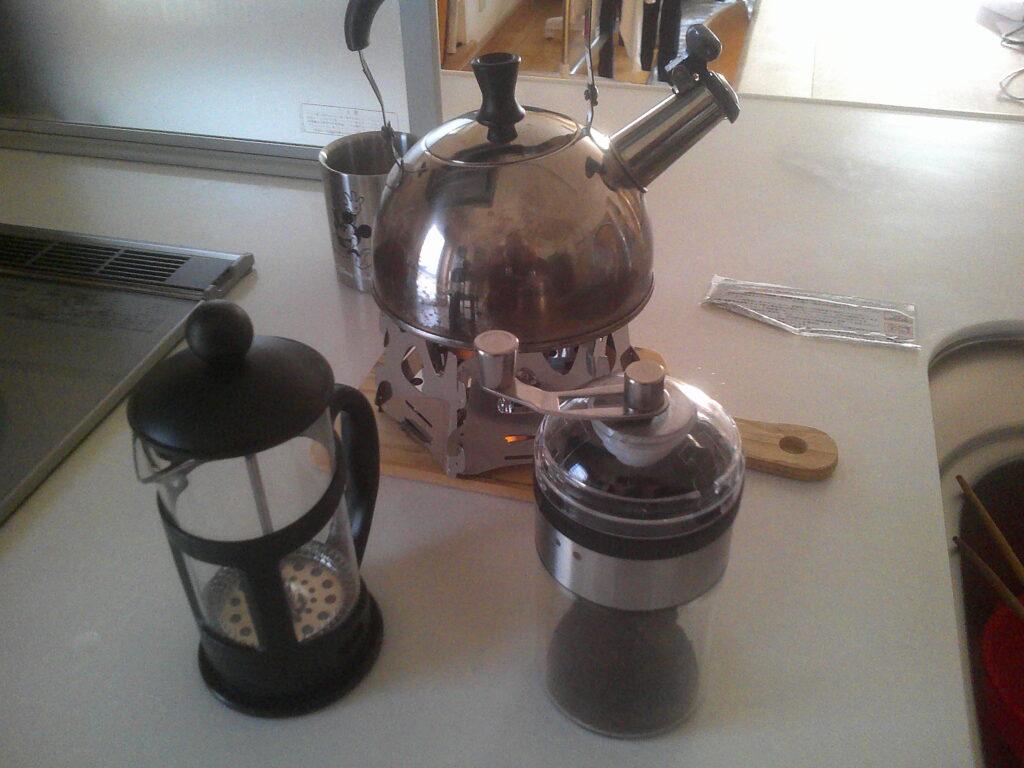コーヒーを淹れる準備