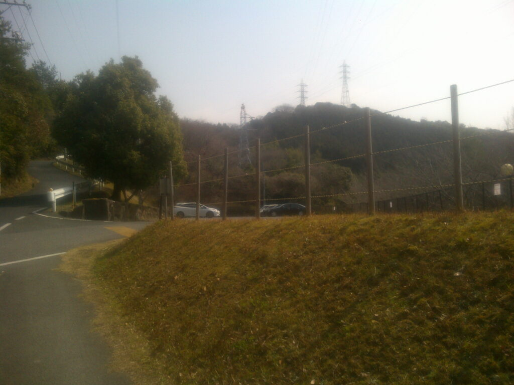 オートキャンプ場手前の駐車場