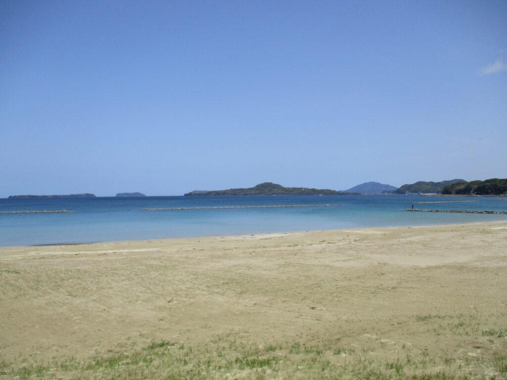 菊ヶ浜から見る笠山