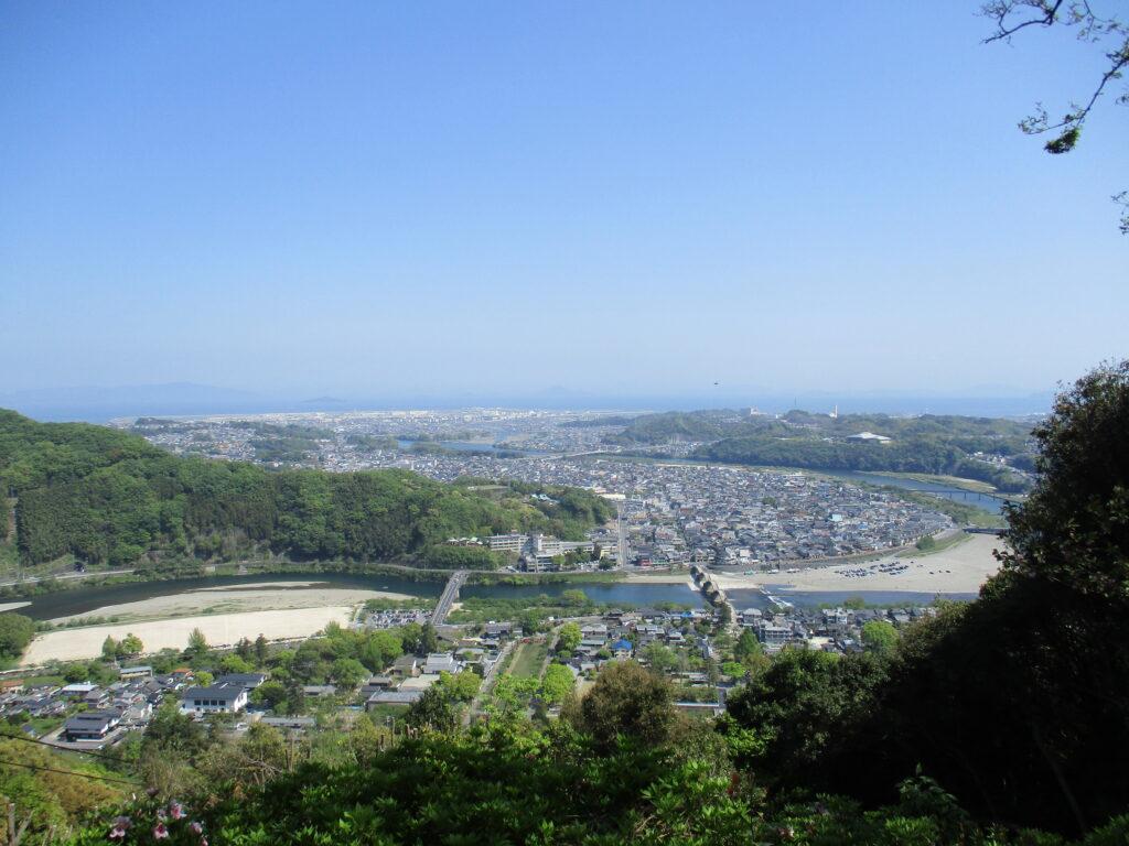ロープウェイ山頂駅からの景色