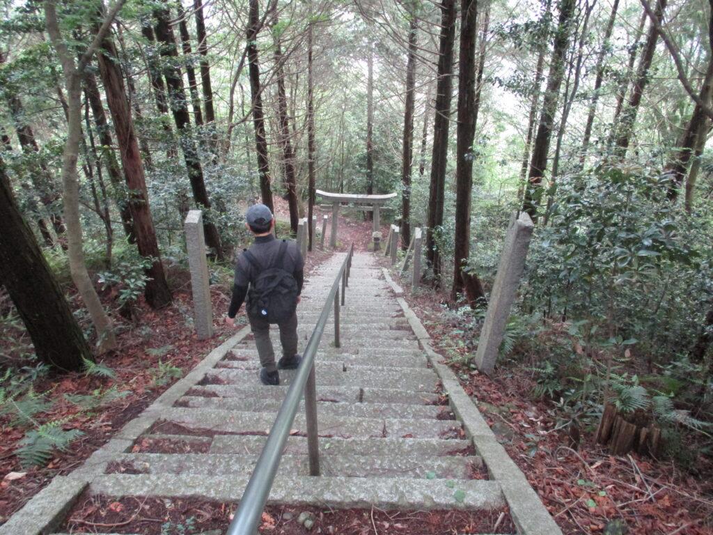 大将軍霧峯神社 正面の階段