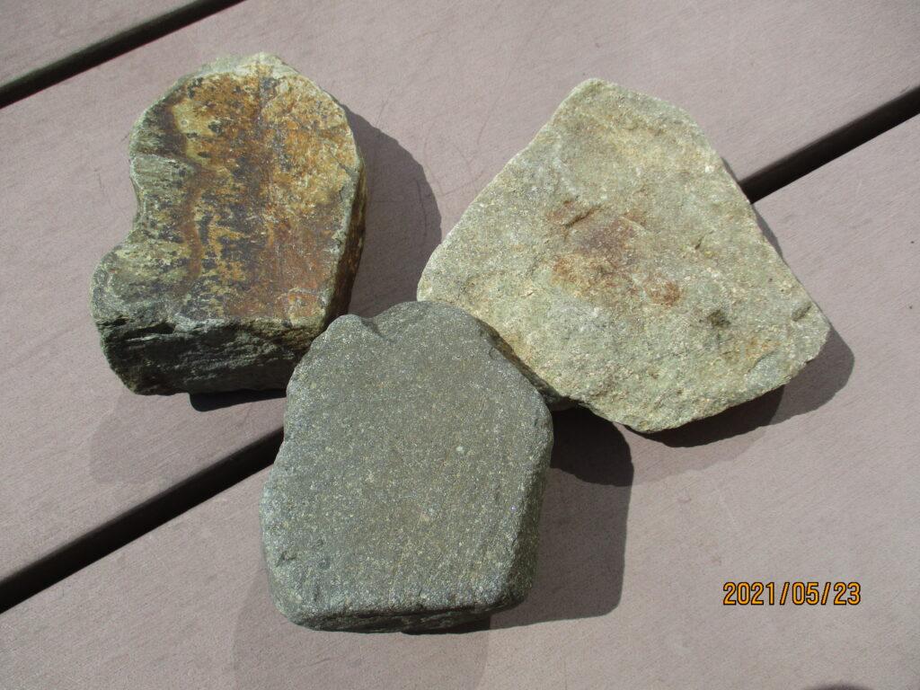 秋穂の海岸で拾ってきた石
