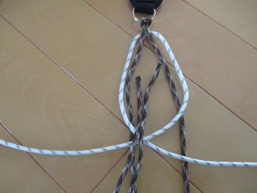 3.芯紐の真ん中を抜く