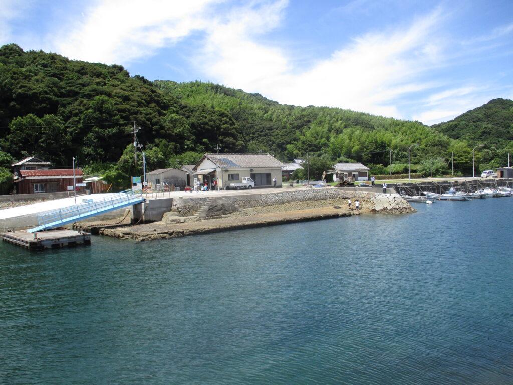 馬島定期船乗場に到着