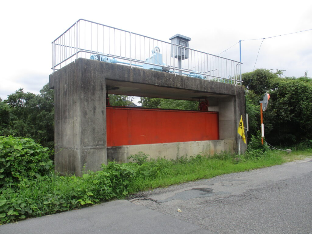 法満寺川の水門