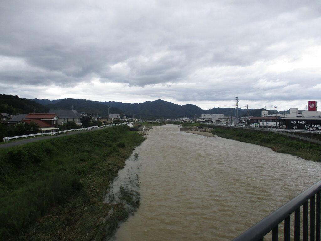 御堀橋から上流
