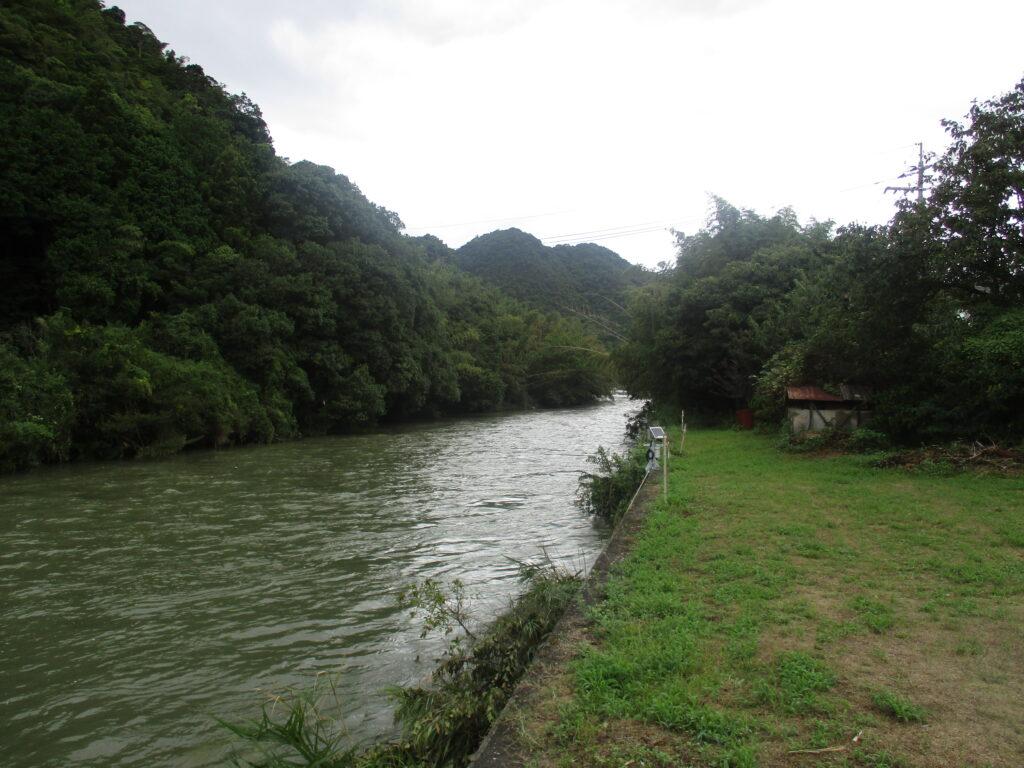 大内長野(川が曲がるところ)から上流