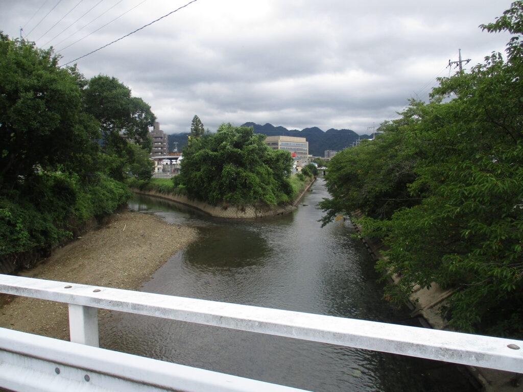 吉敷川の支流、前田川と錦川