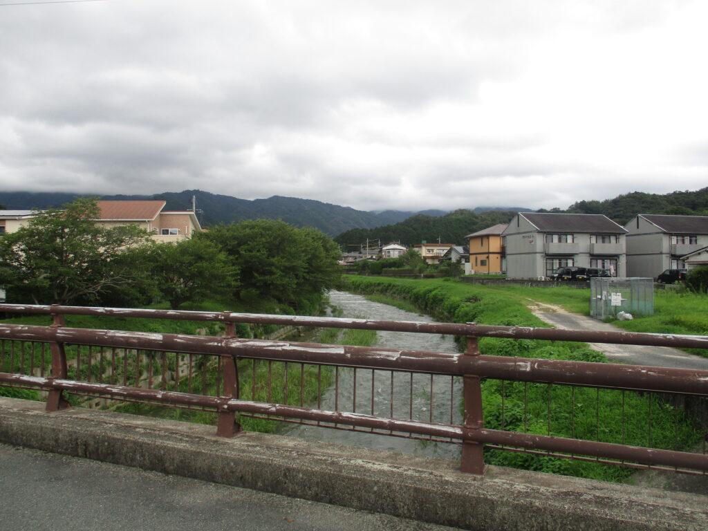 ほたる橋から上流の景色